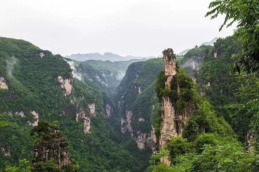 九路寨景区集峰,林,洞,瀑,河于一体 山水秀美 风景如画